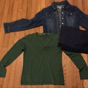 Green V-neck Sweater, M